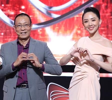 """MC Lại Văn Sâm và Tóc Tiên làm giám khảo """"Siêu trí tuệ Việt Nam"""""""