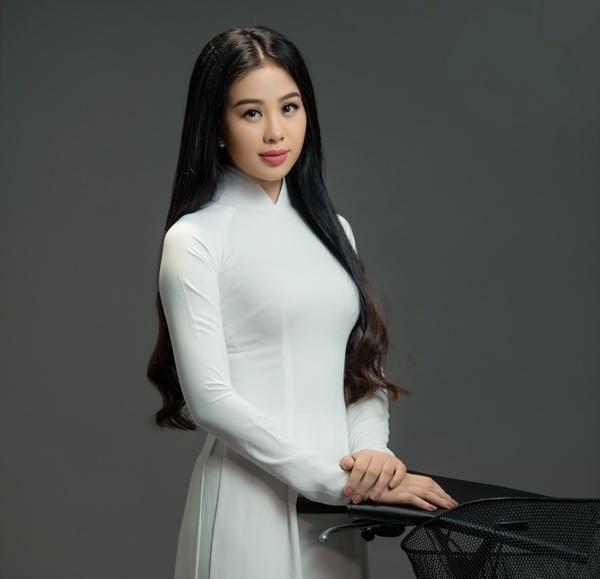 """Ca sĩ Dương Huệ ra mắt album """"Học trò ơi"""" dịp 20/11"""