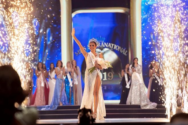thai lan dang quang ngoc chau lot top 10 hoa hau sieu quoc gia 2019