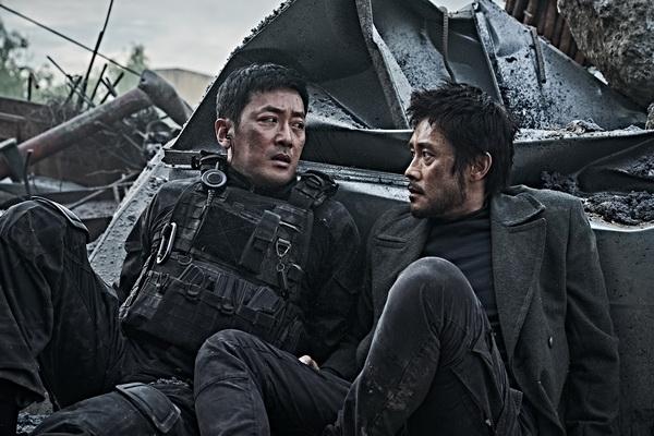 """Phim bom tấn về thảm họa của Hàn Quốc quy tụ dàn sao """"khủng"""""""
