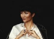 Hoa hậu H'Hen Niê kỉ niệm vào Top 5 Miss Universe bằng bộ ảnh đặc biệt