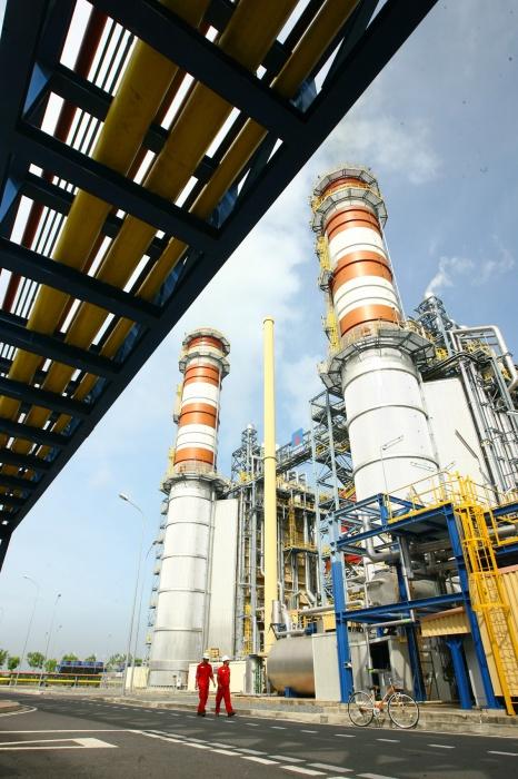 Một góc nhà máy điện Tuabin khí Chu trình hỗn hợp Nhơn Trạch 2 - Huy Hùng (TTXVN)