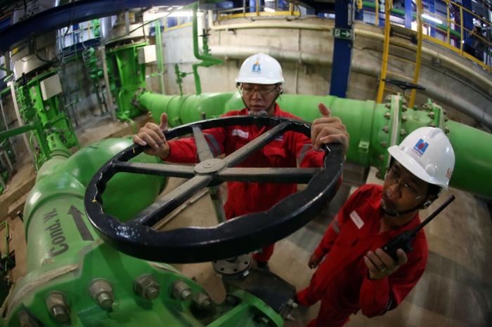 Vận hành tại nhà máy - Huy Hùng (TTXVN)