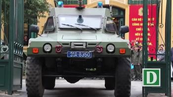 Dàn xe đặc chủng bảo vệ thượng đỉnh Mỹ - Triều diễu hành trên đường Hà Nội